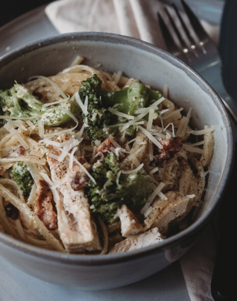 Chicken Alfredo with Bacon and Broccoli